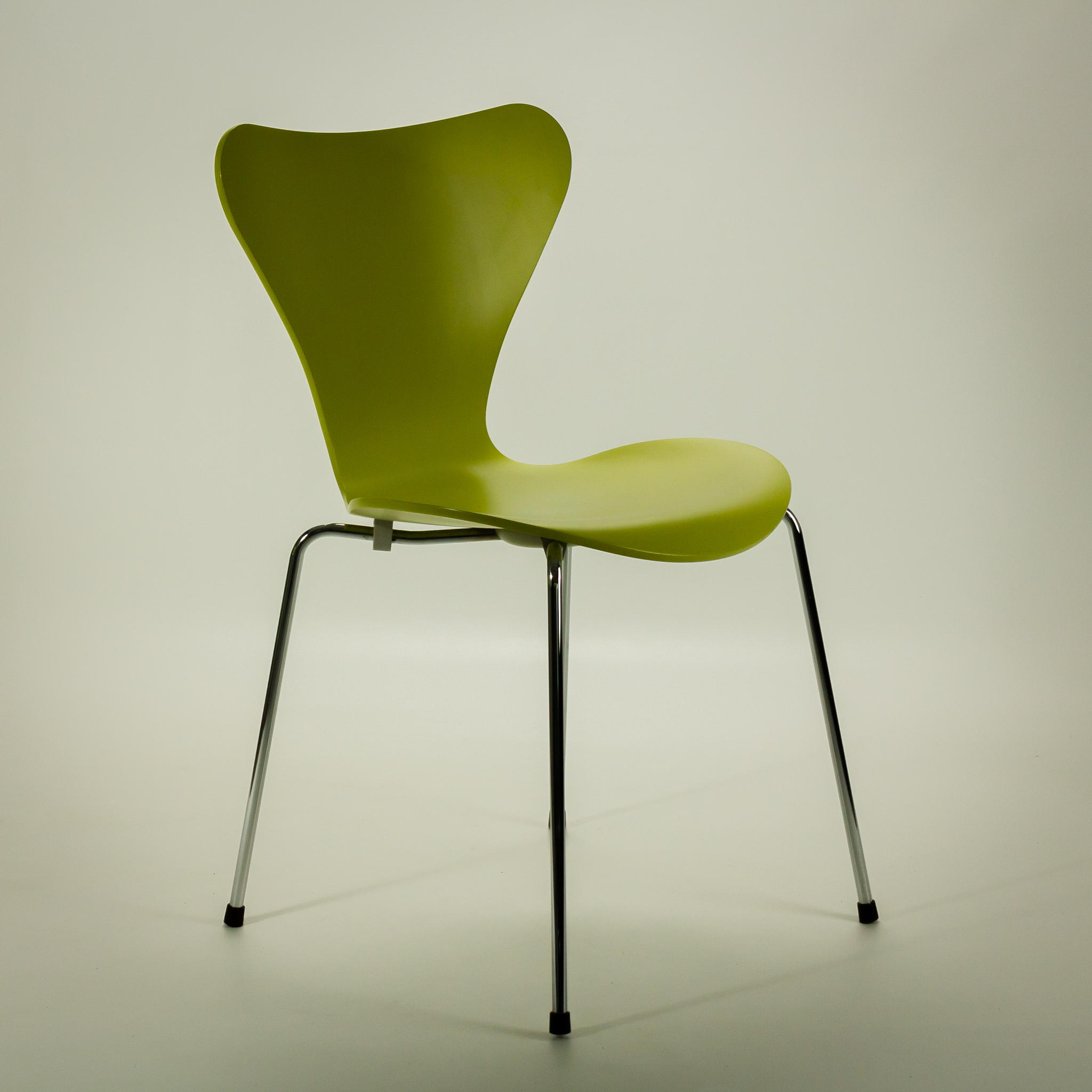 50 s fritz hansen 3107 vlinderstoel in 2 kleuren barbmama. Black Bedroom Furniture Sets. Home Design Ideas