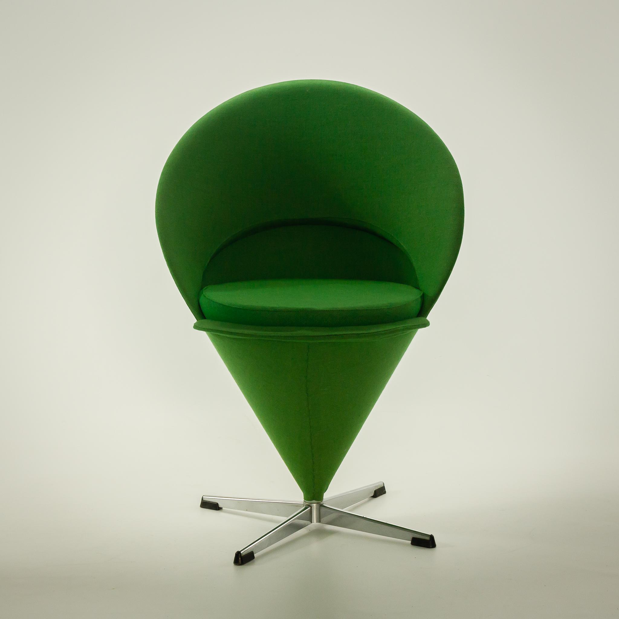 50 s verner panton cone chair draai stoel plus linje barbmama. Black Bedroom Furniture Sets. Home Design Ideas