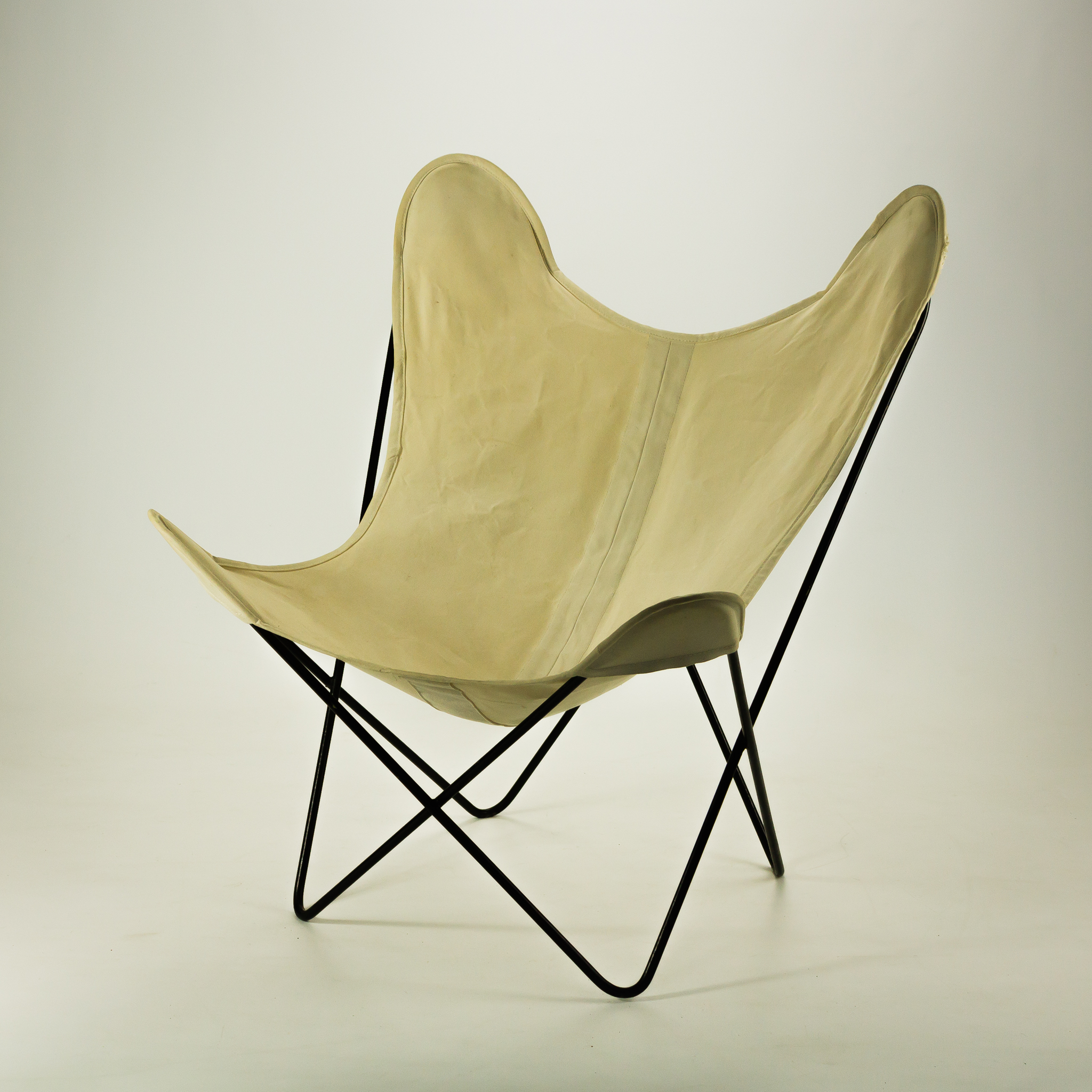 50 s knoll canvas butterfly fauteuil by jorge ferrari. Black Bedroom Furniture Sets. Home Design Ideas