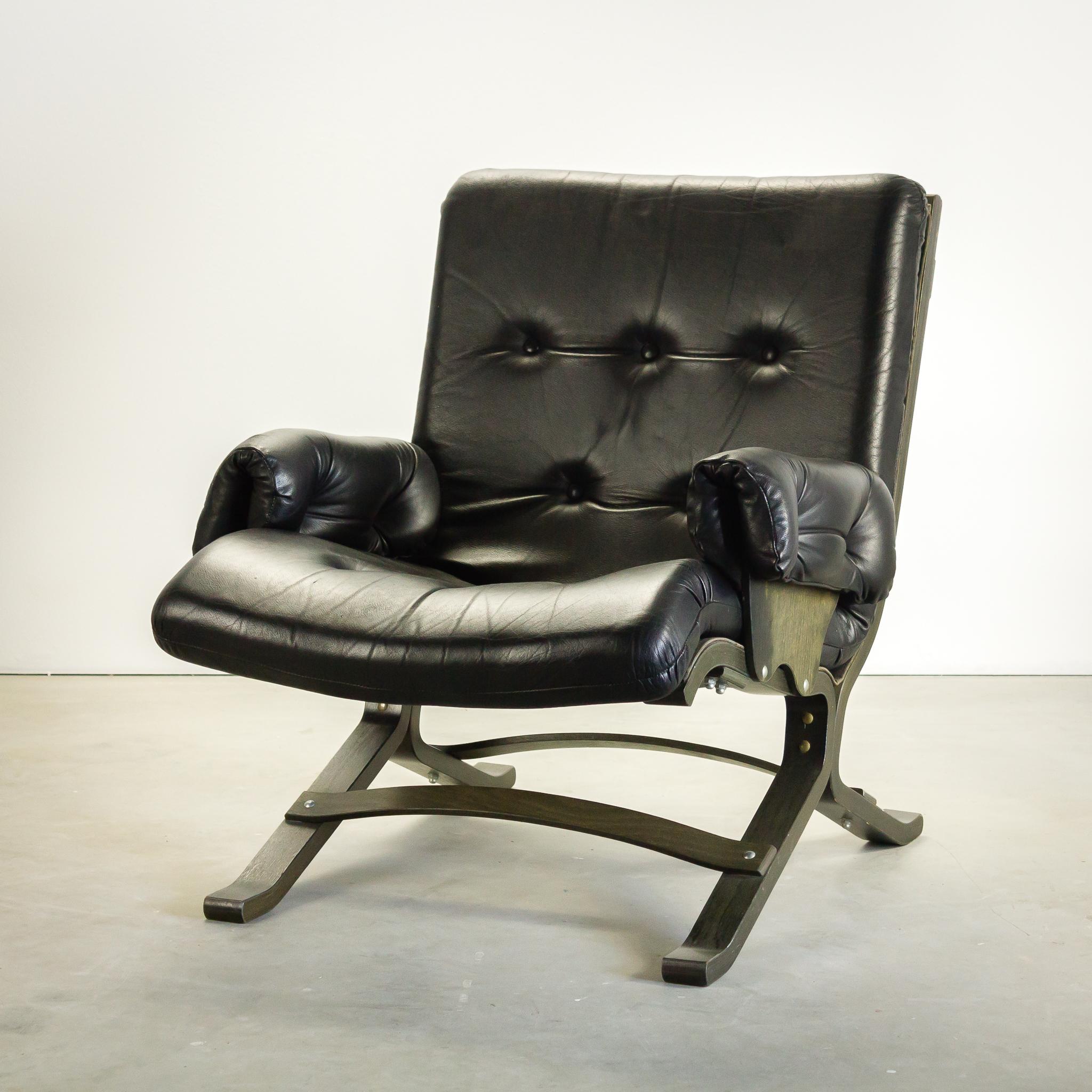60 s ingmar relling fauteuil zwart leder laag barbmama for Tweedehands fauteuil
