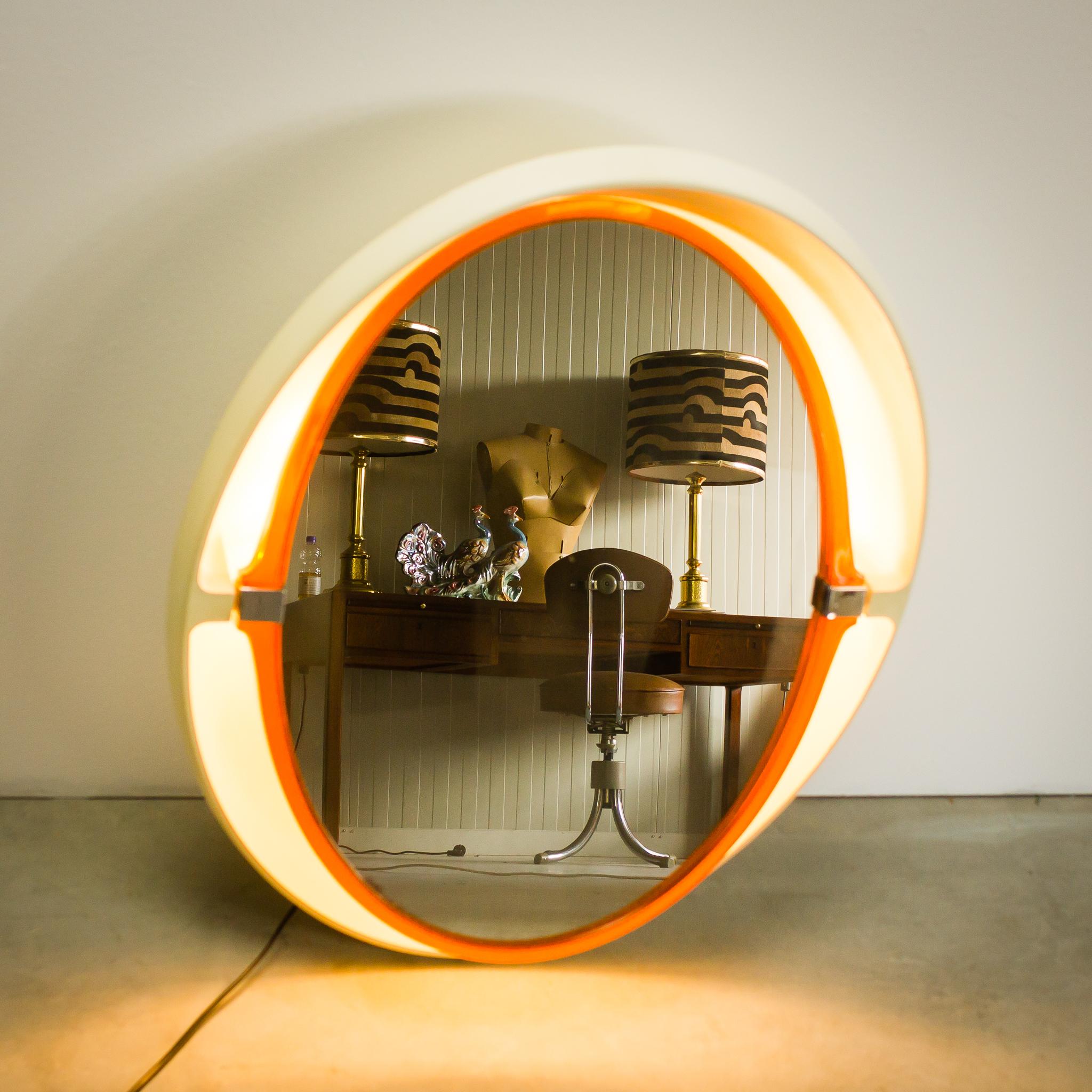 Space-Age Allibert A136 wand spiegel met licht | BarbMama