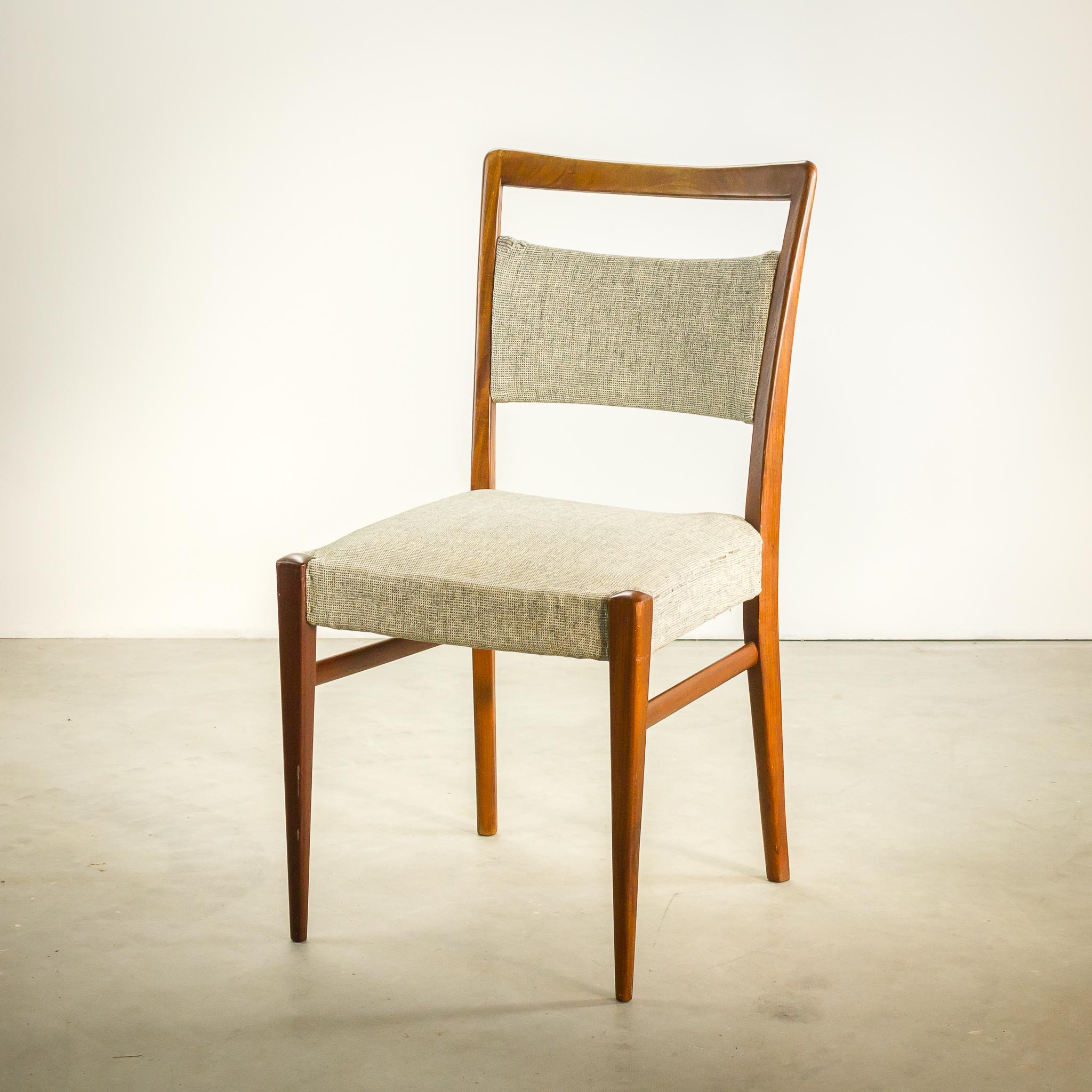 Grijze stoelen great house doctor stoel comma grijs house for Eettafel stoel leer