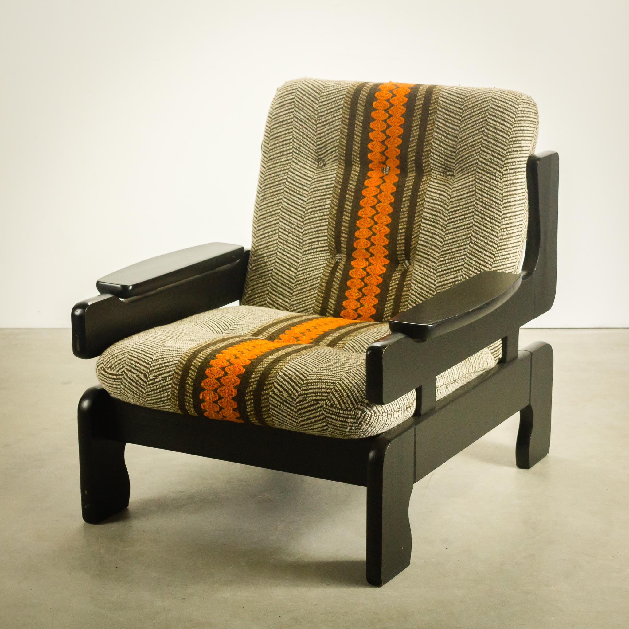 Jaren 70 space age fauteuils hout stof set 2 barbmama for Fauteuil retro design