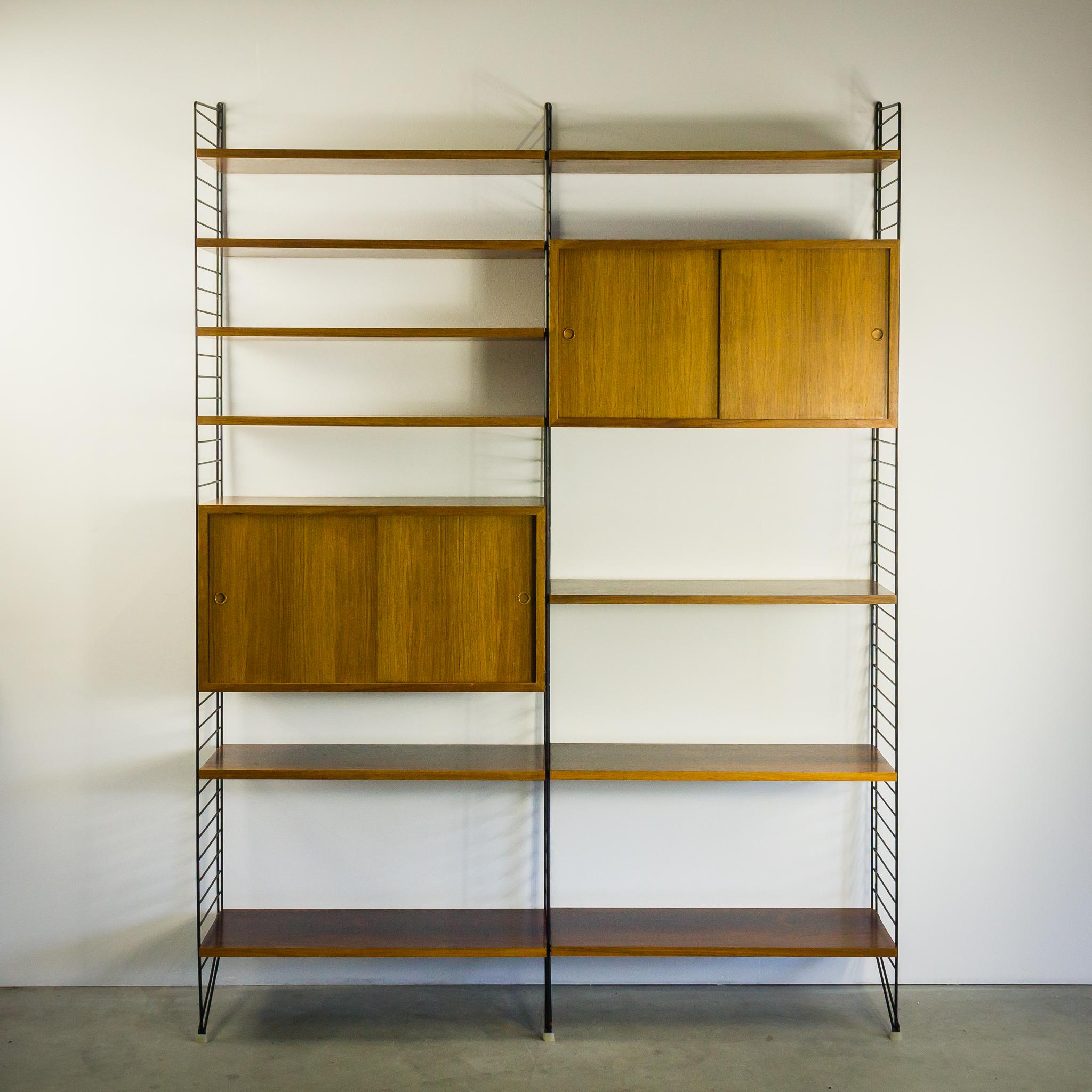 60 s nisse strinning palissander wandmeubel string barbmama. Black Bedroom Furniture Sets. Home Design Ideas