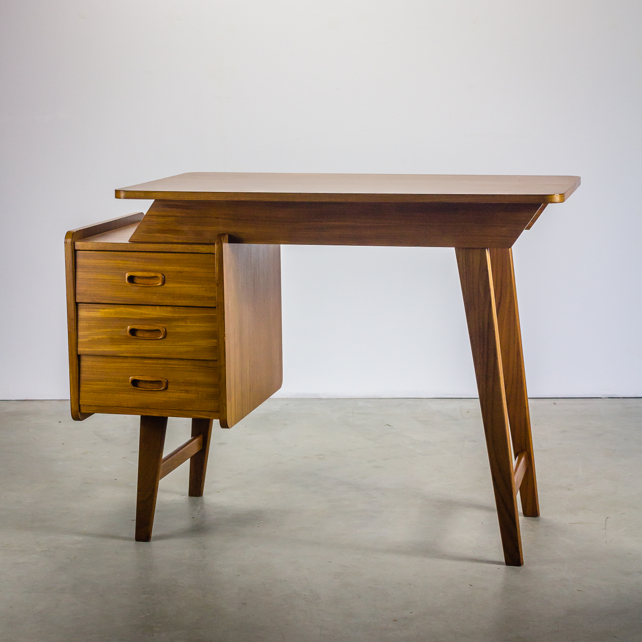 jaren 60 teak bureau ladies desk barbmama