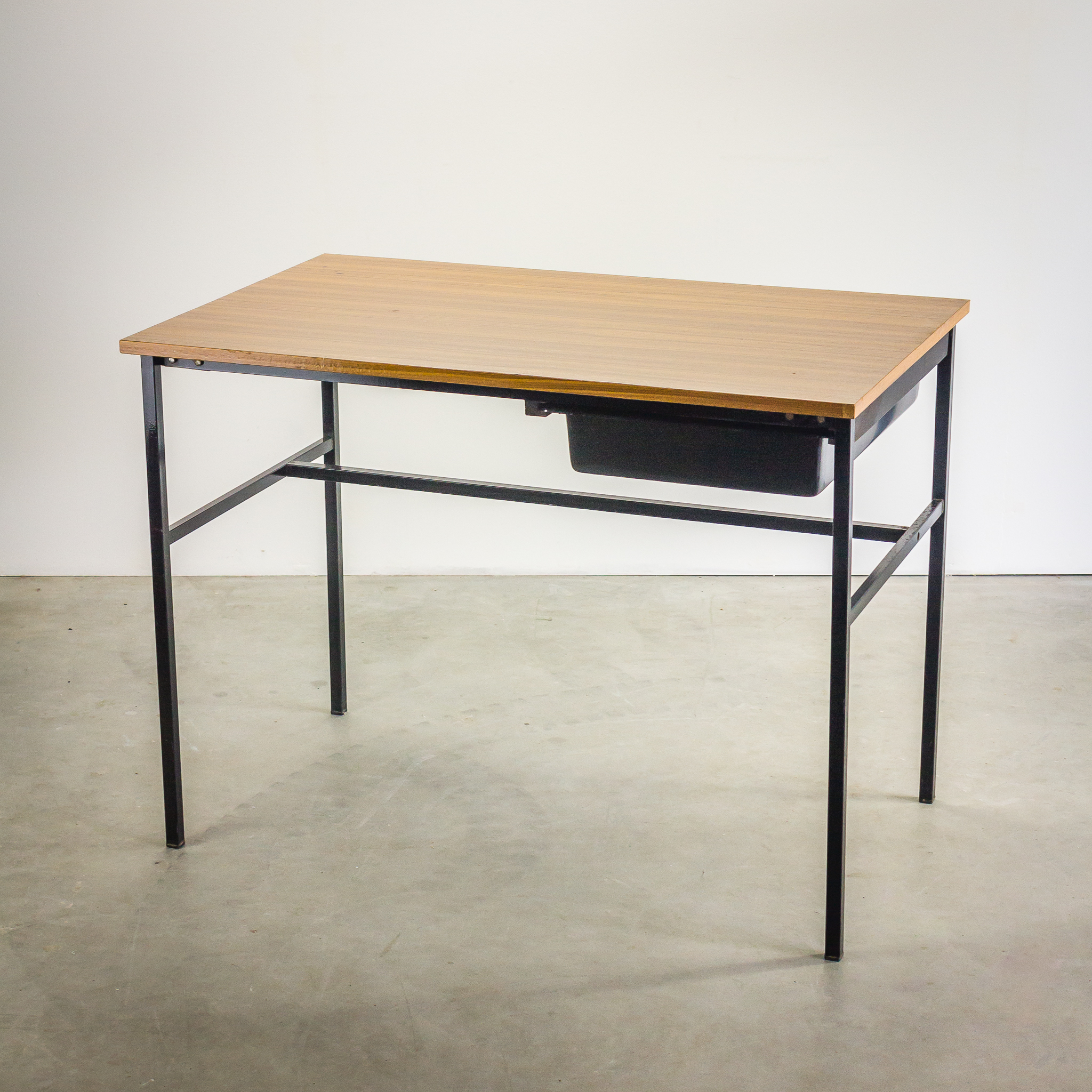 50 s pierre guariche junior bureau meurop barbmama - Bureau design vintage ...