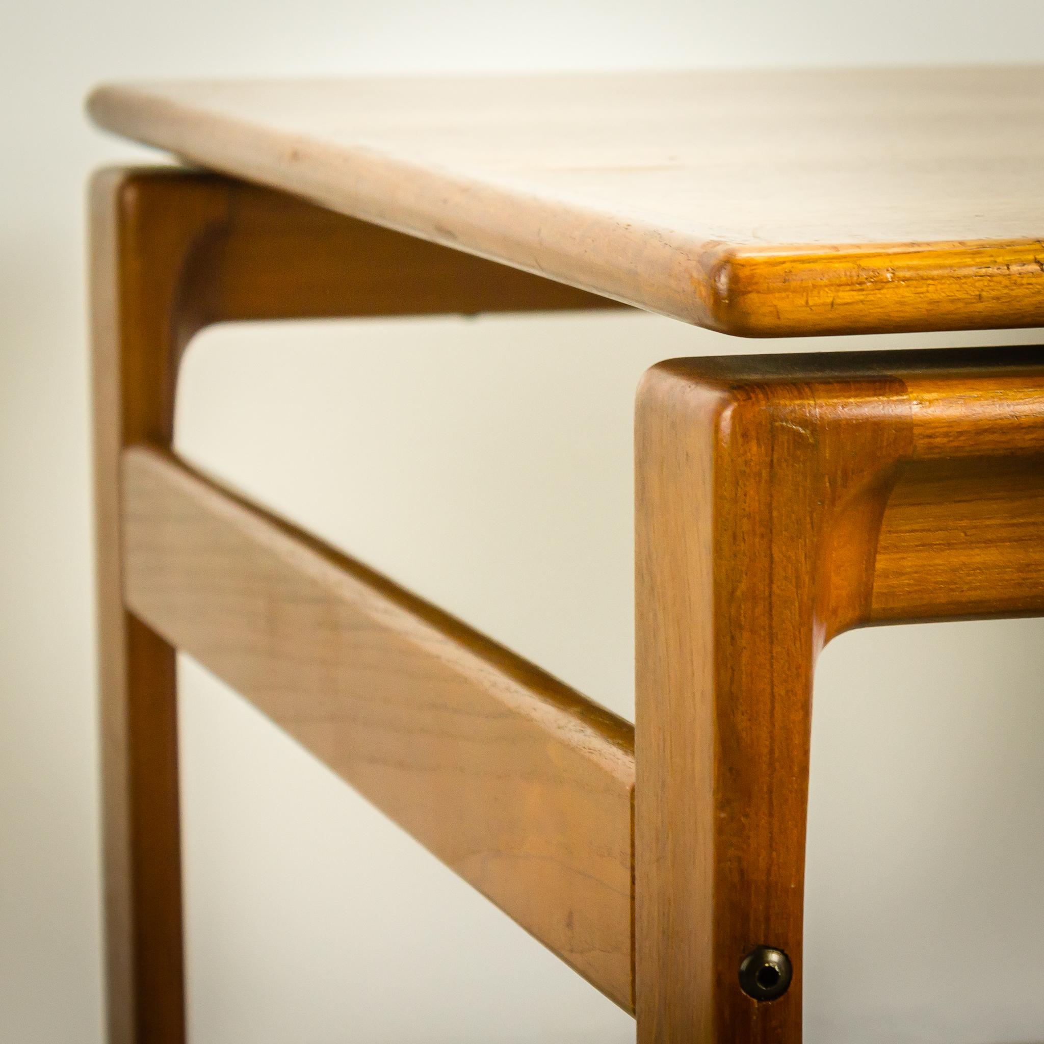 #AD530022387192  70's Komfort Deens Teak Salontafel Design Vintage Retro Barbmama Van de bovenste plank Deens Design Meubelen Vintage 1023 beeld 204820481023 Inspiratie