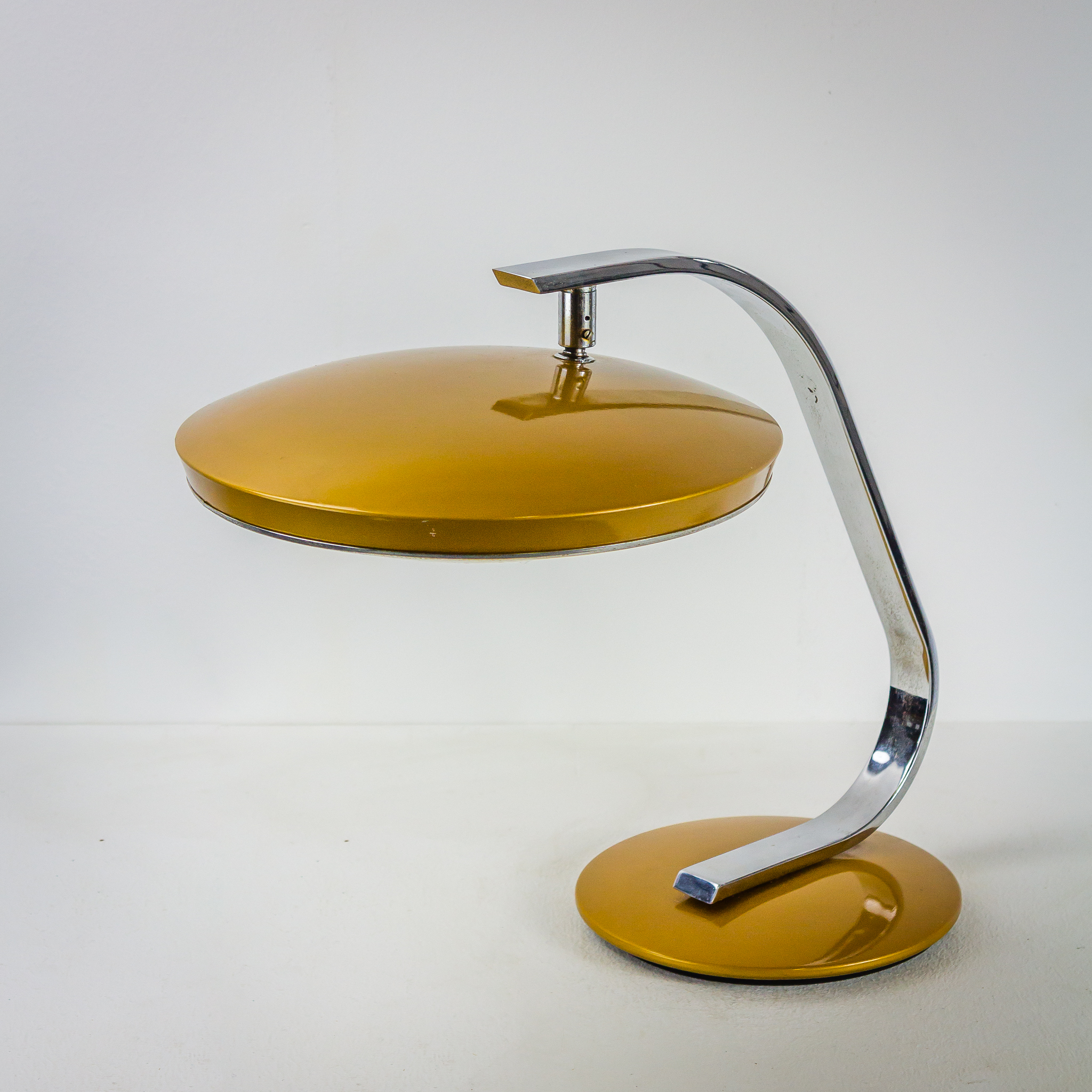 60 S Fase Madrid Bureaulamp Chroom Goud Barbmama