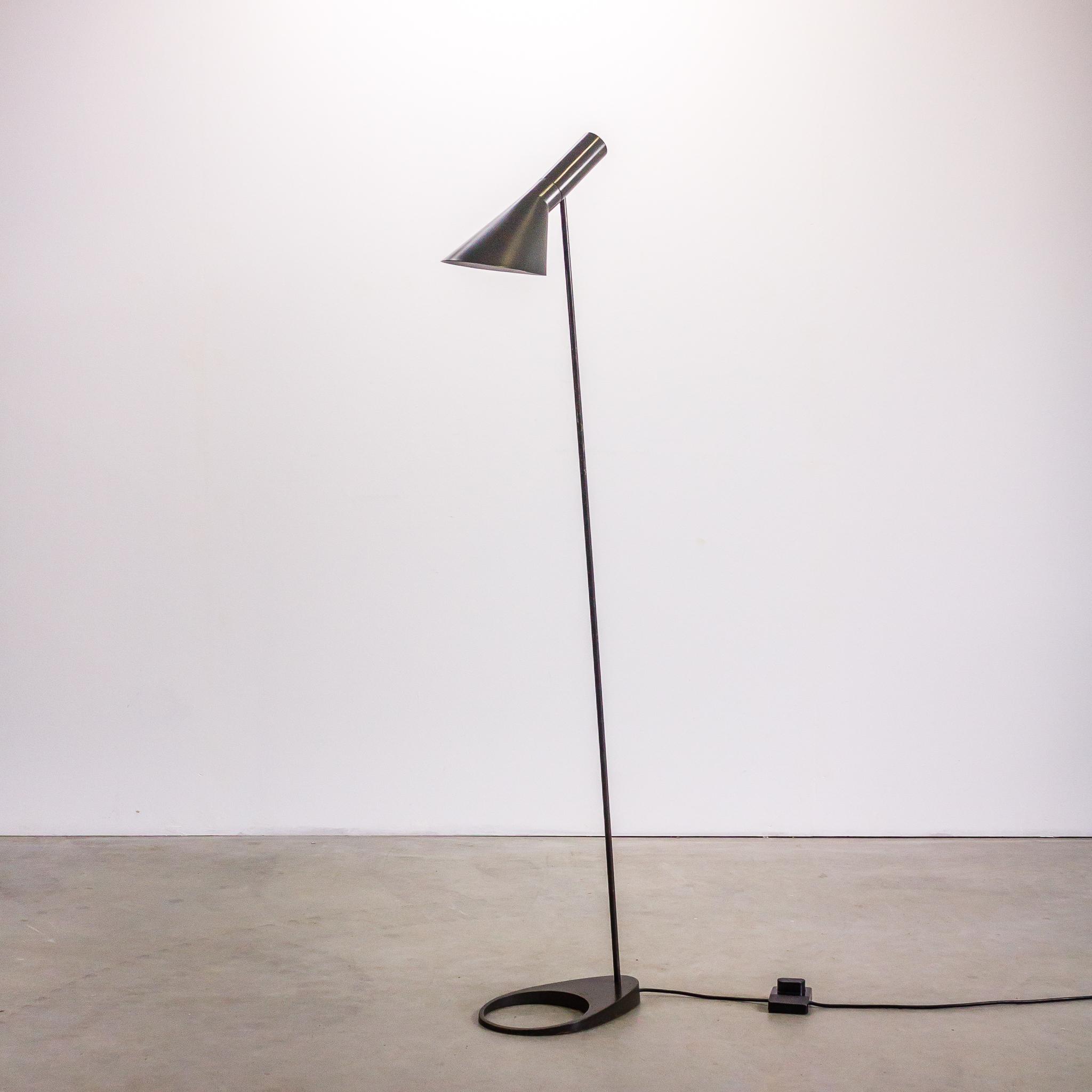 60 S Arne Jacobson Vloerlamp By Louis Poulsen Barbmama