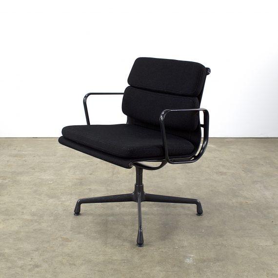 Charles Eames EA217 softpad fauteuil Vitra