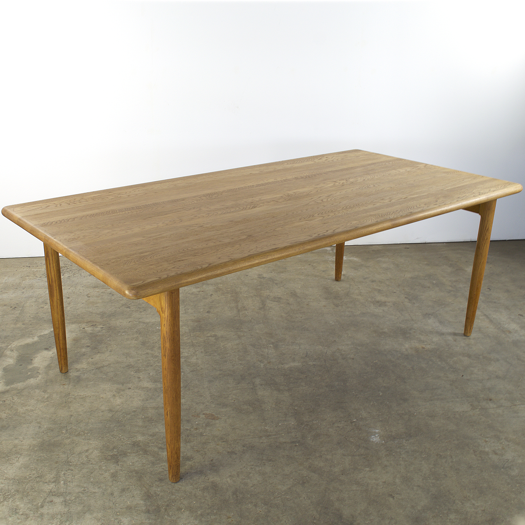 60 S Dining Table By Scapinelli At