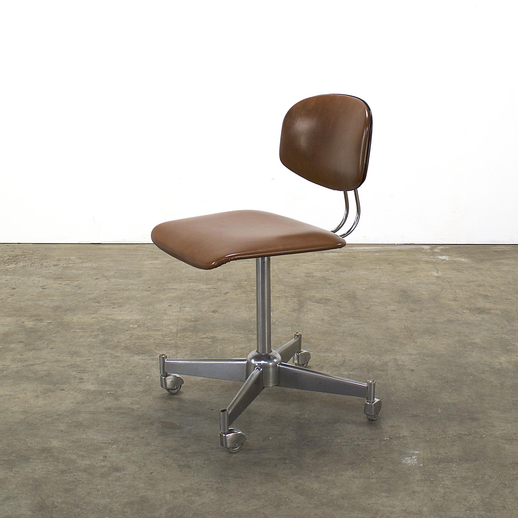 70 s office swivel chair adjustable heigth barbmama for Bureaustoel vintage