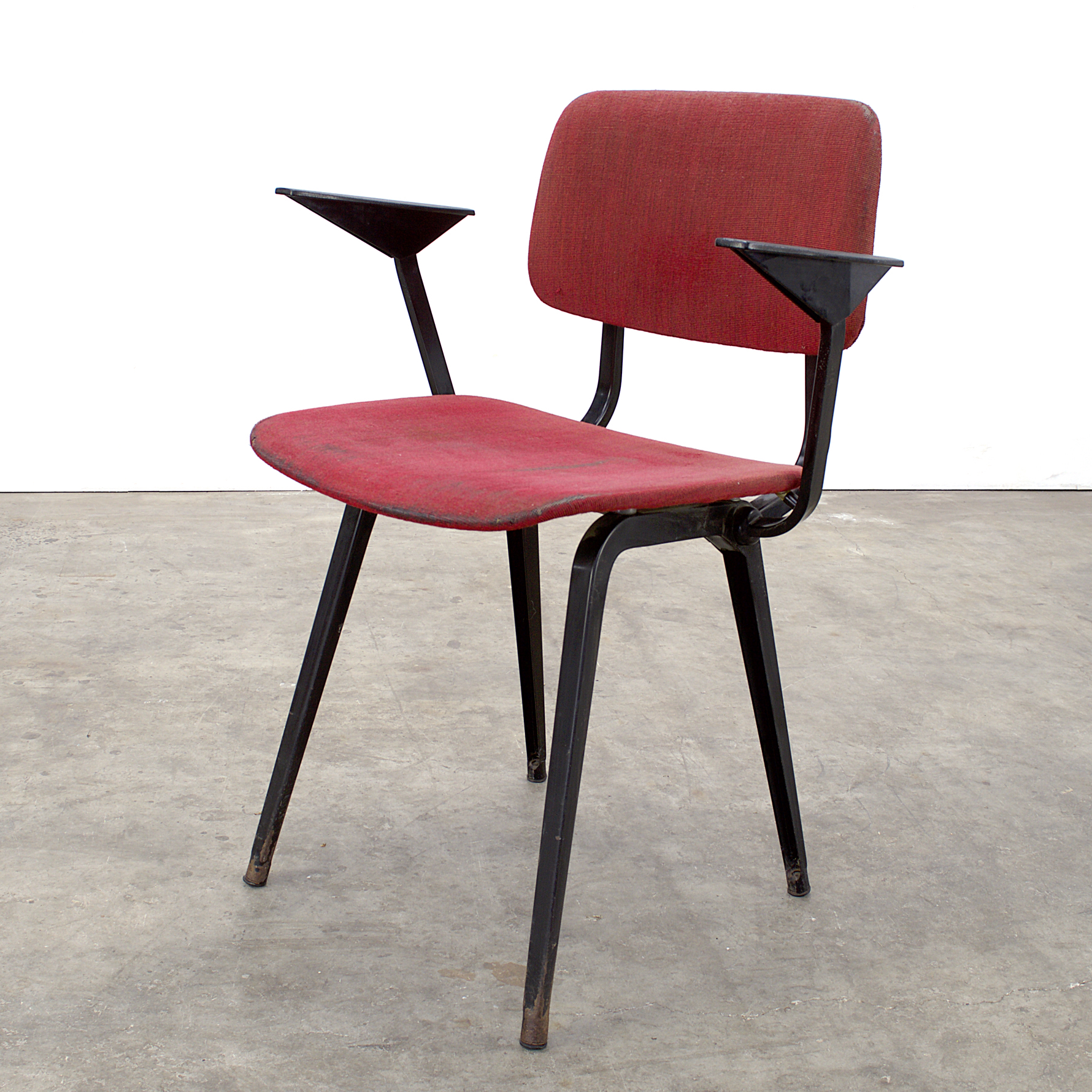 50 s ahrend revolt arm chair by friso kramer barbmama for Revolt stoel