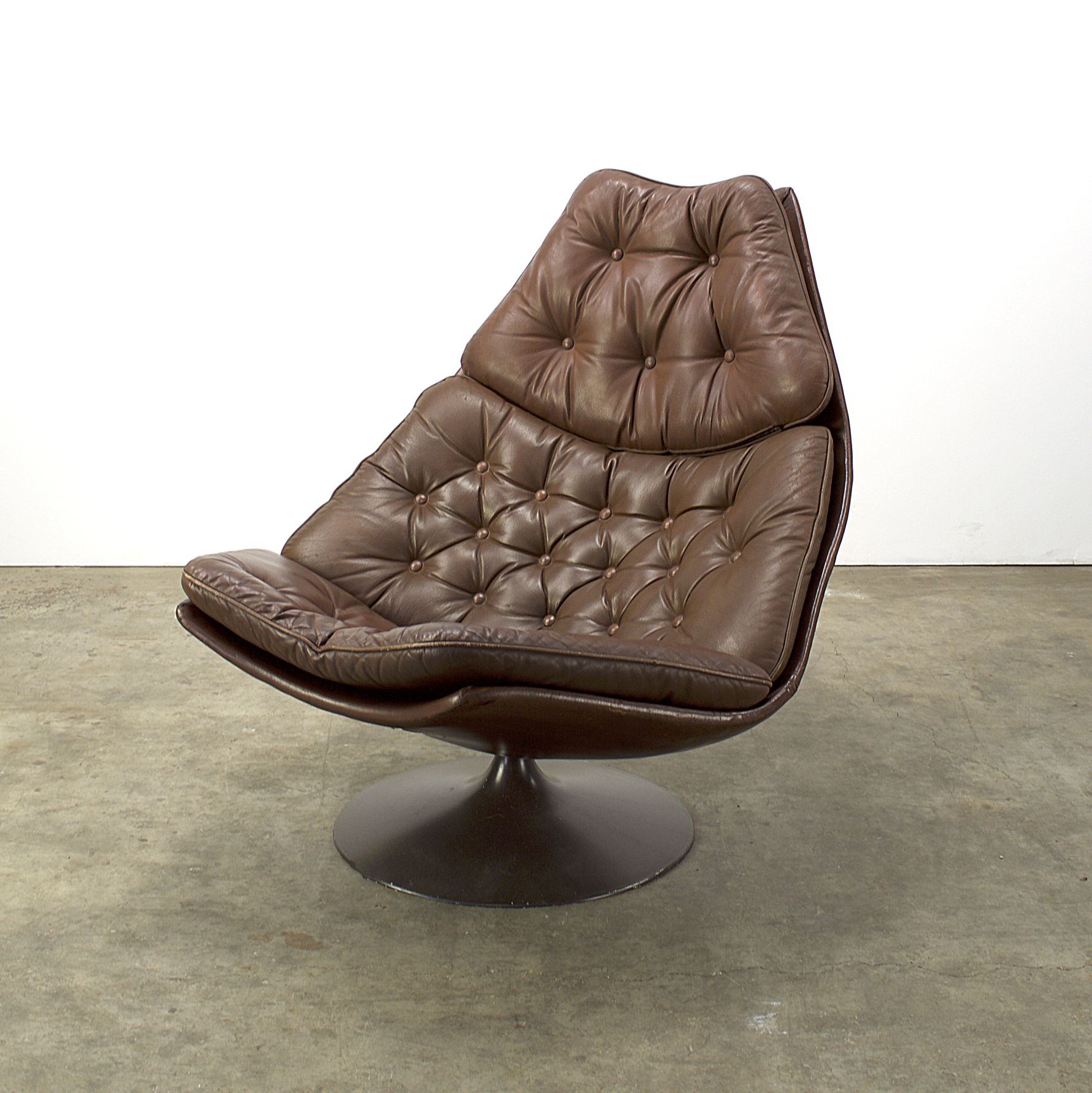 Artifort f588 fauteuil by geoffrey harcourt barbmama for Stoel leer