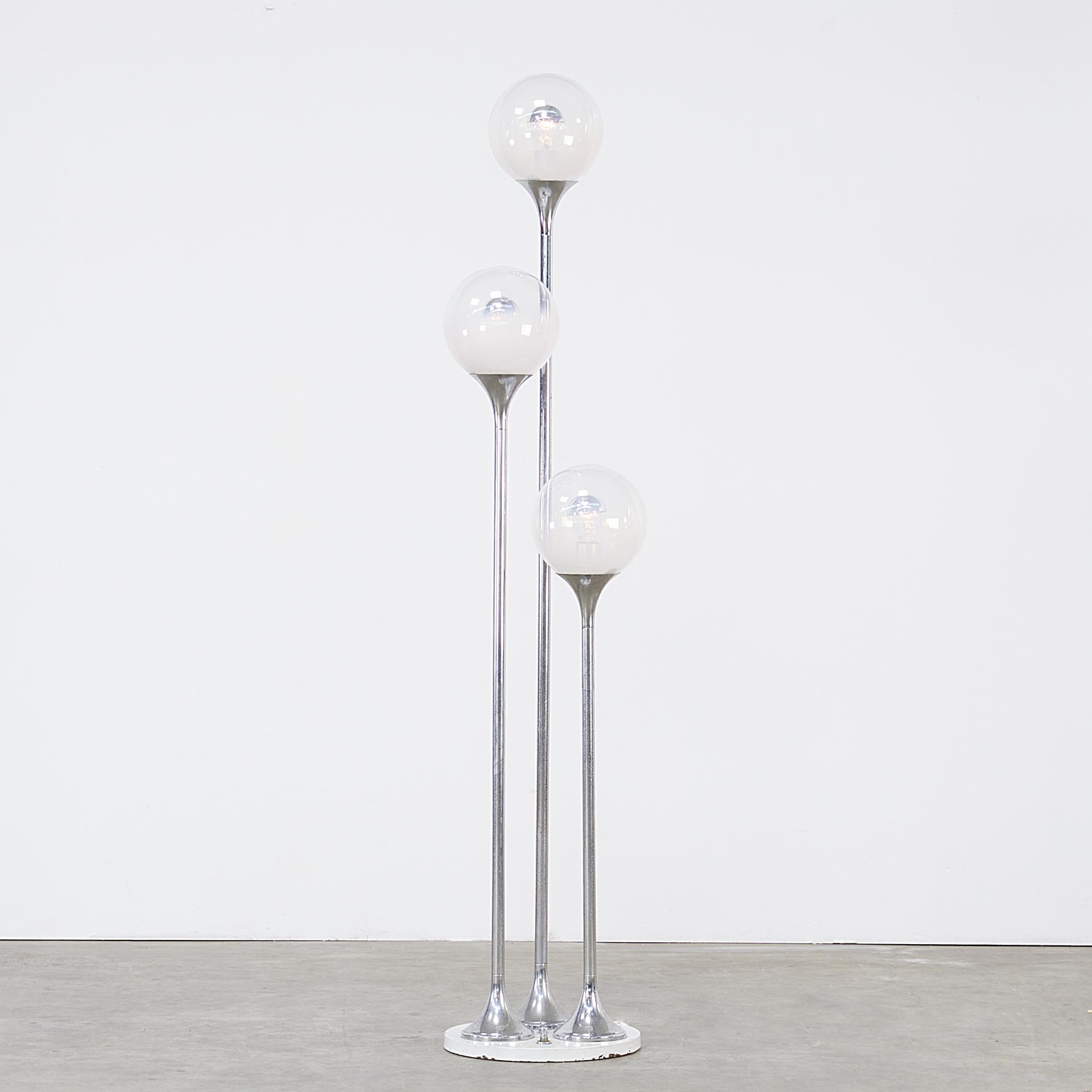 60s italian design floorlamp triple frosted globes for for Designer glass floor lamp