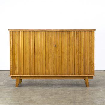 1125017KD-Svensk Fur-cabinet-dressoir-kast-vintage-retro-design-barbmama-002