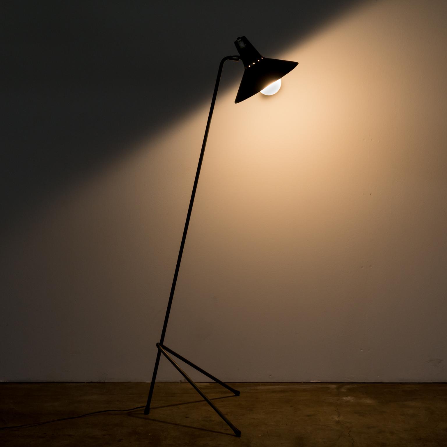 floor xufl lamp ava metal gold