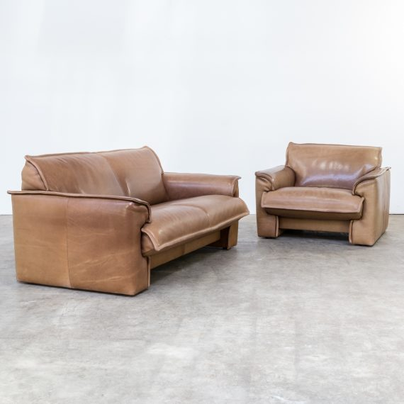 1124057ZG-leolux-neck leather-sofa-bank-fauteuil-retro-design-barbmama-1001