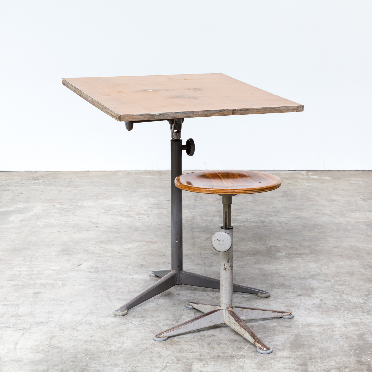 1964 Rare Friso Kramer Coffee Table For Ahrend De Cirkel: Friso Kramer Drawing Table For Ahrend De Cirkel