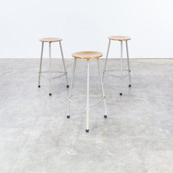 1320127ZK-friso kramer-kruk-stool-ahrend de cirkel-vintage-design-retro-barbmama-1001