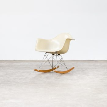 0207038ZF-herman miller-rar-chair-charles ray eames-white-rocking chair-vintage-retro-design-barbmama-1001